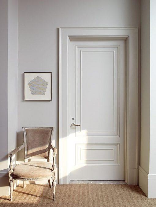 puerta de seguridad con molduras en chile
